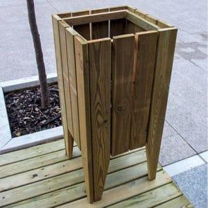 papelera de madera para exterior modelo Square