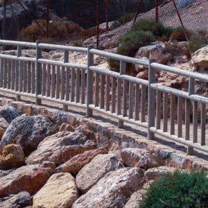 vallas de madera para sendero