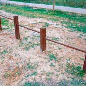 Flexiones en madera para circuito deportivo