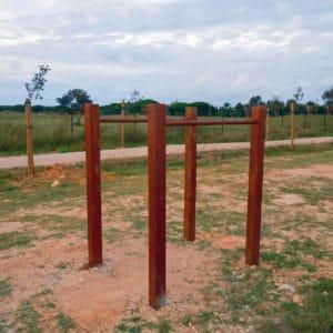 Paralelas en madera para circuito deportivo